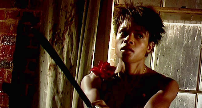 A movie still of Naomie Harris as Selena, from the 2002 film 28 Days Later.