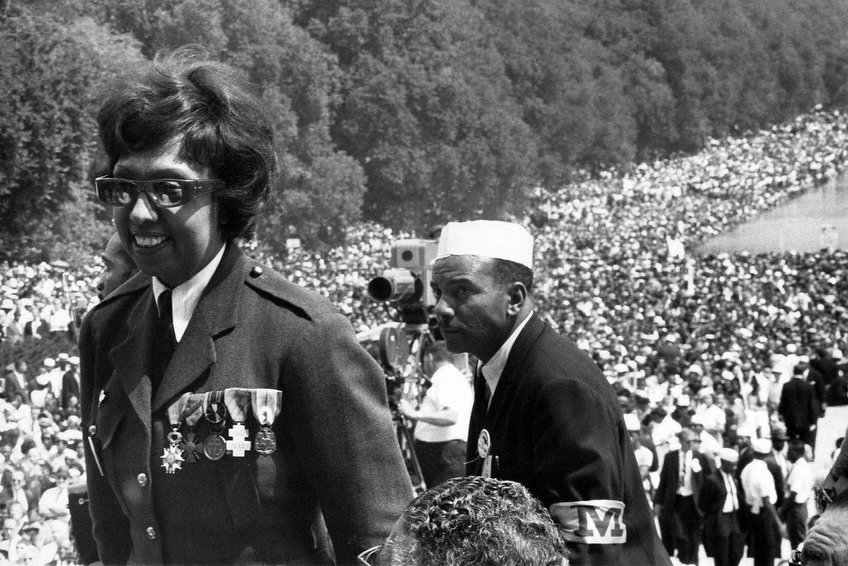 Josephine Baker wearing her wartime medals at the Washington March.